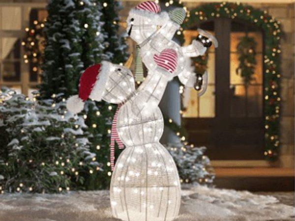 Outdoor Christmas light decorations